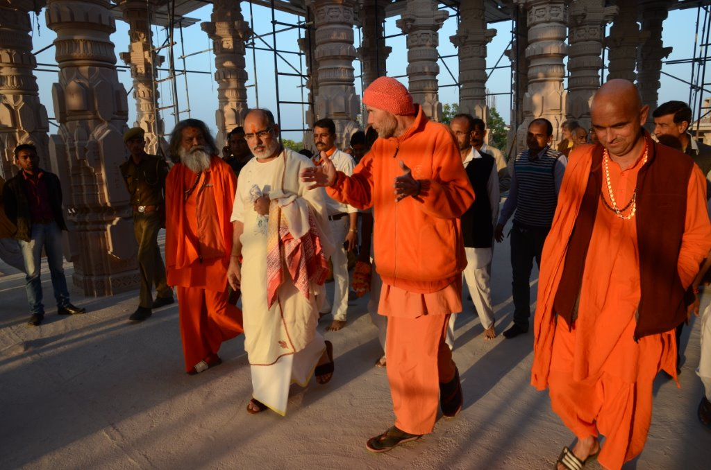 Rameshbhai Ojha and his group visited OM Ashram