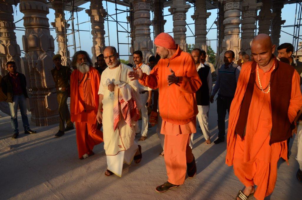 Rameshbhai Ojha and his group visited OM Ashram