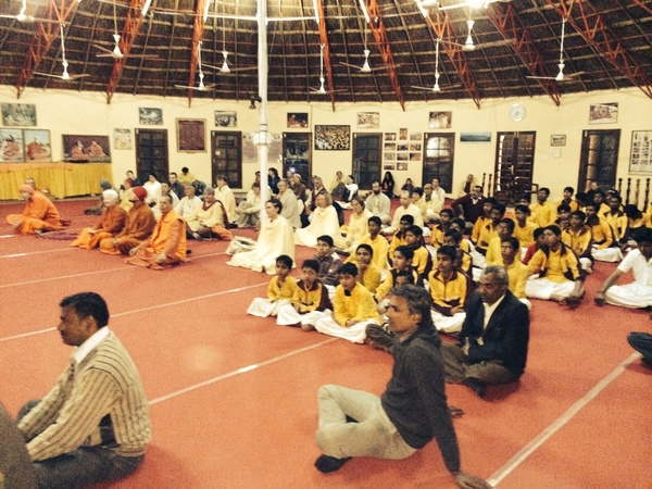 Evening satsang in Jadan Ashram
