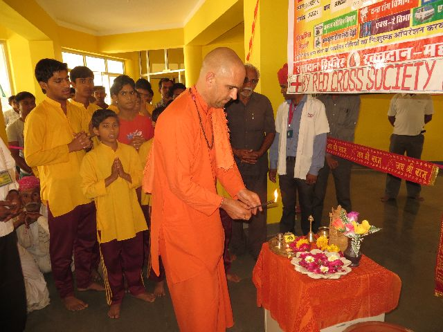 3 MM Swami Jasraj Puriji participated on Opening Puja