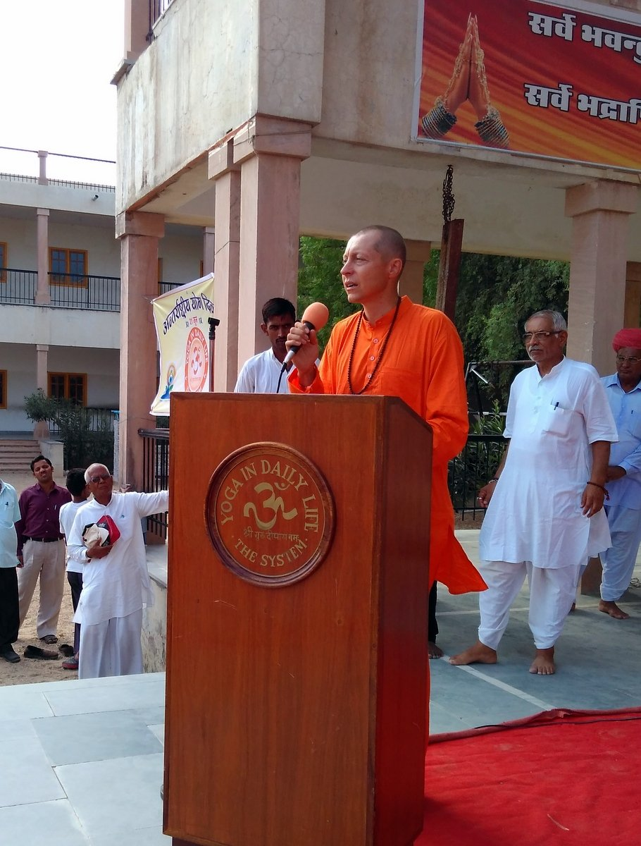 26-Swami-Niranjan-Puriji---Yoga-In-Daily-Life-Is-Practiced-And-Appreciated-All-Over-The-World