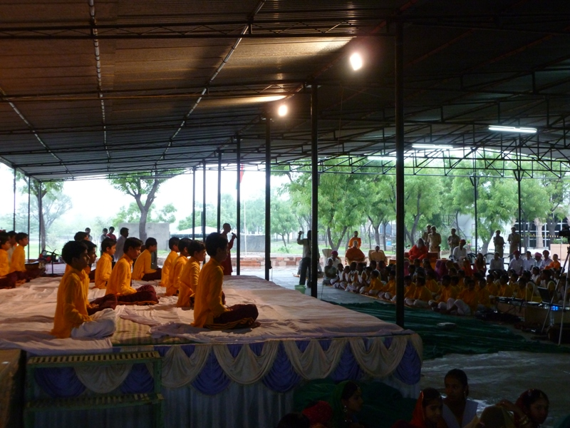 school children asanas