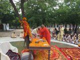 16-MM-Sw-Jasraj-Puriji-garlanded-Sri-Ram-Chandraji
