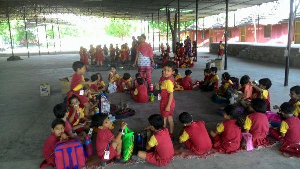 Children-in-Om-Ashram-3