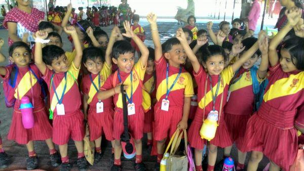 Children-in-Om-Ashram-4