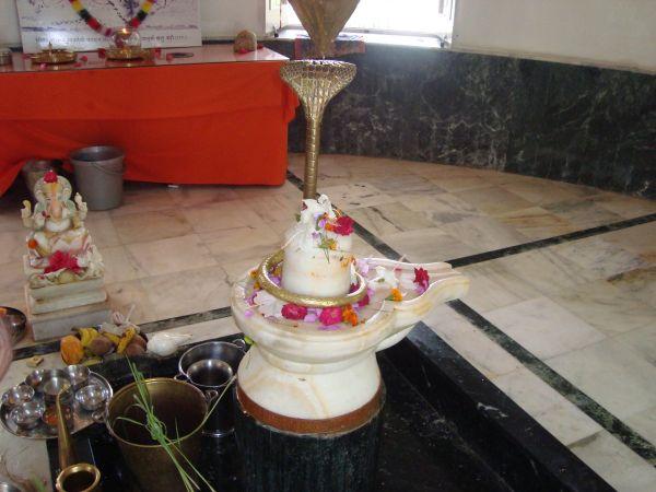 Jadan-ashram-01