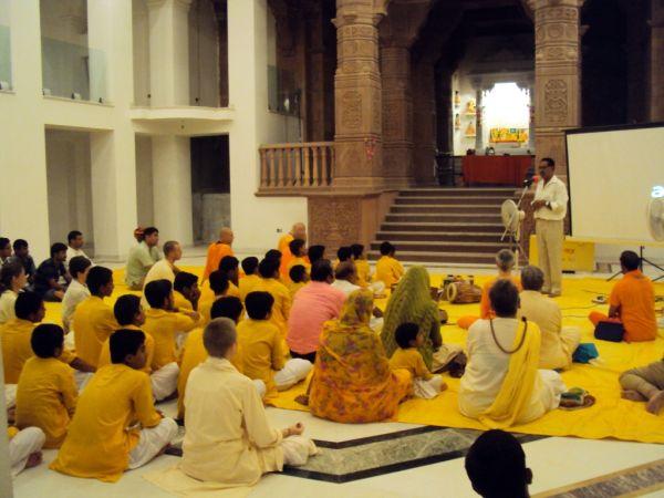 Satsang-in-Om-Ashram