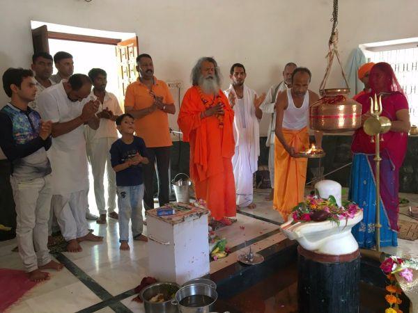 Vishwaguruji Shravan Monday 04