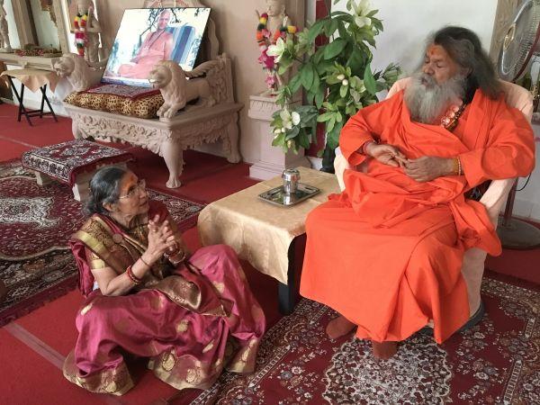 Vishwaguruji and Yashoda Bahin