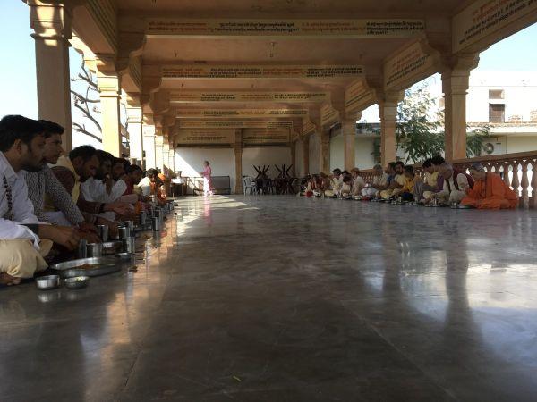 Vishwaguruji prays for World Peace 07