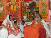 Swami Maheshwarananda and sadhvi Chandra Prabha Maa