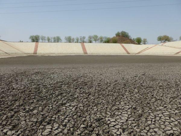 Empty Talab 2012