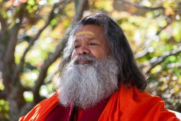 Vishwaguru Mahamandaleshwar Paramhans Swami Maheshwarananda